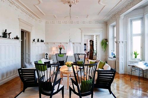 Декоративная штукатурка и лепнина в интерьере гостиной