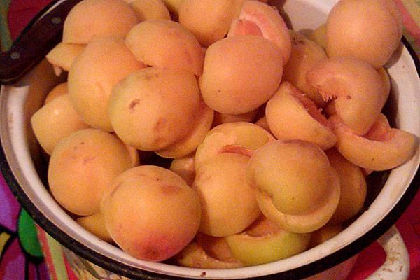 Готовим варенье из абрикос с апельсином