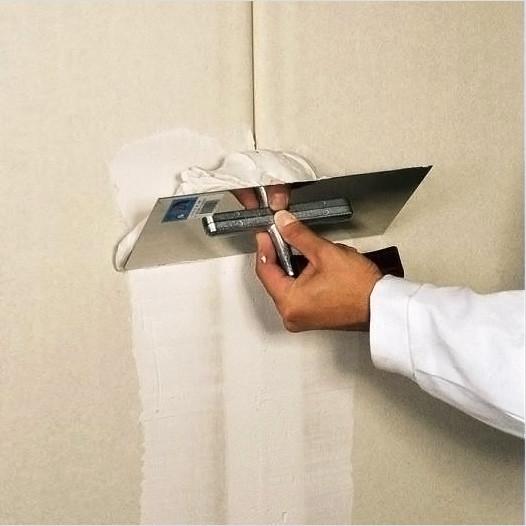 Как подготовить стены к поклейке обоев: технология