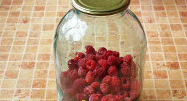Компот из малины на зиму: вкусно и полезно