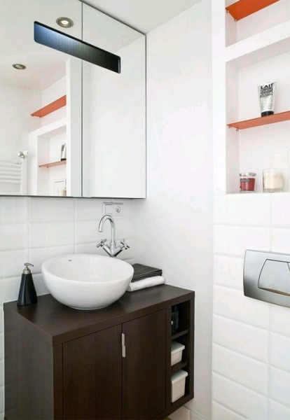 Ванная комната с местом для хранения